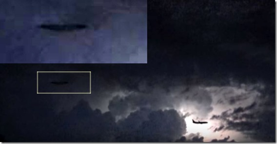 UFO In Lightning Storm Over Italy_thumb[1]
